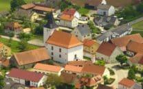 Trautmannshofen Kirche Bauplatz Baugebiet Haus Immobilien Pfarrdorf Engelloh Luftbild A. Laumer, Weiden